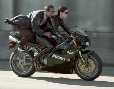 Auto-moto chat Ducati_Trinity_2